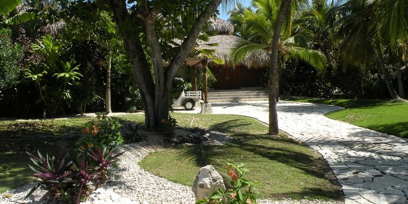 Caleton Villa 5 -  Golf front villa with free access to Caleton Beach Club that is managed by Eden Roc Hotel in Cap Cana